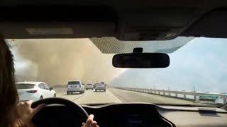 Intense highway footage of Soledad Fire in California