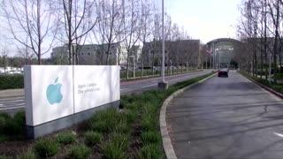 Apple CEO slams social media in Facebook fight