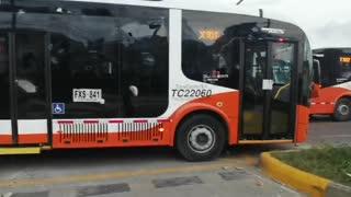 Atacan a bus de Transcaribe