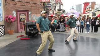Universal Studios Hollywood Street Sweeper Dancers HD POV