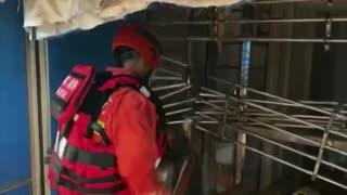 Passengers Evacuated from Flooded Guangzhou Subway Station