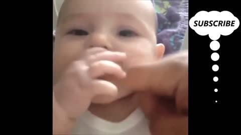 Drôle bébé 😁😂🤣