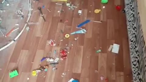 домовой которые прячет все игрушки под диван