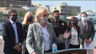 """ORWELLIAN Tampa Mayor: Maskless NFL Fans Will Be """"Identified"""""""