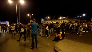Manifestantes bloquean la avenida Santander