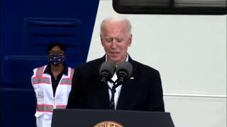 Biden Briefly Malfunctions Again
