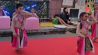 Hat Yai Thailand: Performance at the floating market
