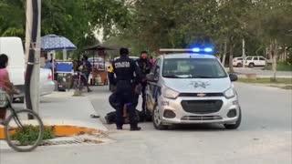 Video: Indignación en México por policías que mataron a una mujer en Tulum