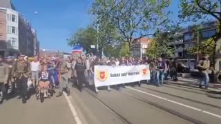 Holland: police join vaccine passport protesters
