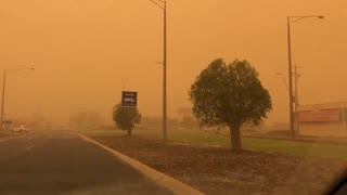 Yellow haze from dust storm completely envelopes city in Australia