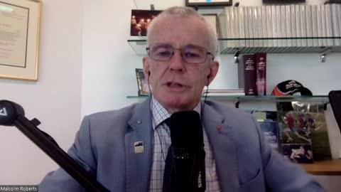 Senator Malcolm Roberts addresses Melbourne protesters