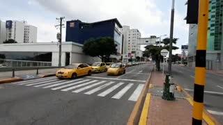Taxistas rinden homenaje a tercera víctima mortal por Covid-19 en Santander