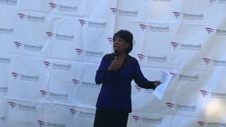 Maxine Waters admits she threatens Trump supporters 'all the time'
