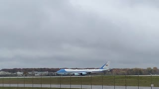 AirForce 1 taking off