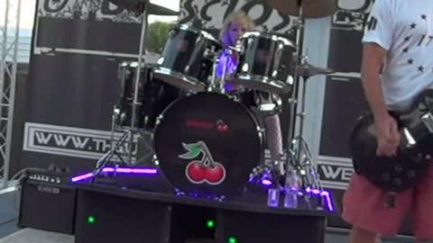 "isUndisclosed performing ""Surrender"" @ Williams Lake Resort 070321!"