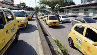 Jornada de paro nacional de taxis en Bucaramanga