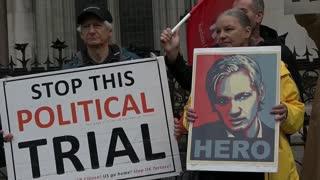 """EEUU dice que la Justicia británica """"erró"""" al denegar la entrega de Assange"""