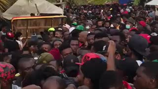 Miles de migrantes permanecen varados en Colombia sin paso hacia Panamá