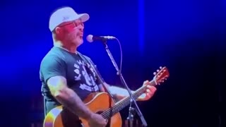 Rocker Aaron Lewis: 'Democrats are Responsible for Every F***ing Scar That Exists on This Country'