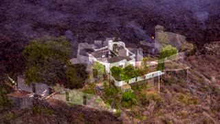 'Miracle house' spared from La Palma lava
