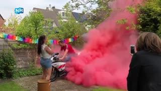 gender reveal feestje in rookwolk