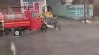 James bond rickshaw
