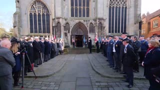 Strangers turn up to pay respects to one of Britain's war heroes