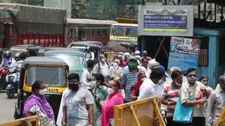 La India suma por quinto día consecutivo cifras récords de contagios y muertes