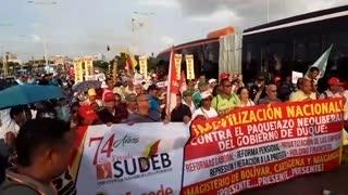 Sindicato de trabajadores protestan contra reformas del Gobierno