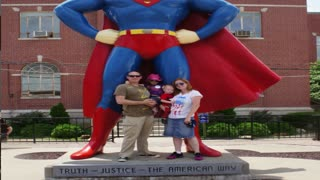 Metropolis, IL Supermuseum with Troyer's Travels
