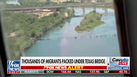 SHOCKING FOOTAGE of Del Rio Texas Border Crisis, THOUSANDS Pouring Across Border
