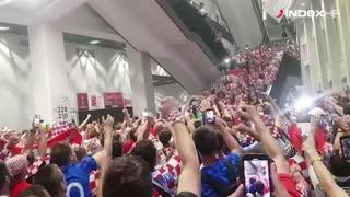 Sloga hrvatskih navijača u Moskvi