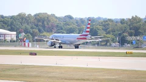 American Airlines Airbus A320neo landing at St. Louis Lambert Intl