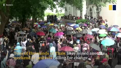 Thailand: Huge protest challenges monarchy and government