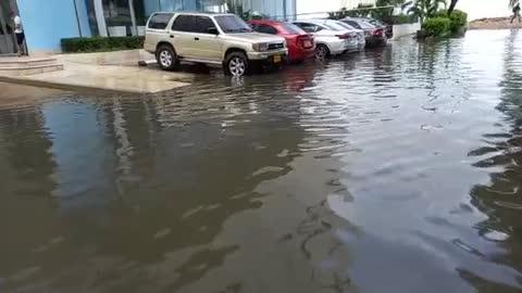 Inundaciones en el Laguito tras fuertes lluvias