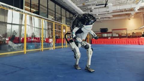 Robots de Boston Dynamics ya bailan