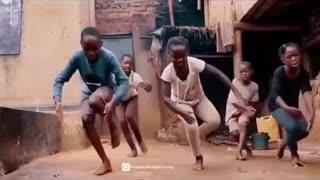Tootsie slide African edition