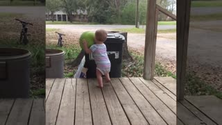 Baby play sport-funny fails video