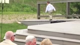 Kids add some comedy to a wedding.kids funny