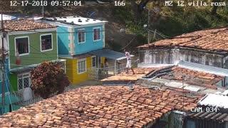 En video queda registrada agresión a Policías en Bucaramanga