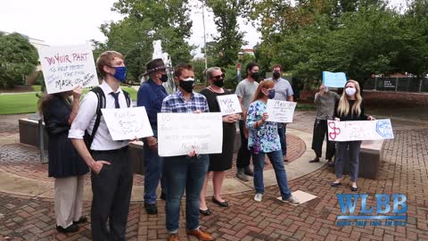 """""""Mask Up USG"""" - University System of Georgia COVID policy protest at UWG"""