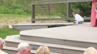Kids add some comedy to a wedding! - Rings Fails
