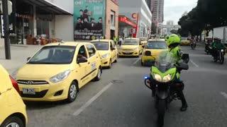 Arrancó protesta de taxistas en Bucaramanga