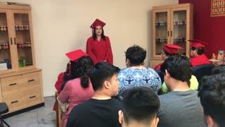 Graduación de Lorena de Heshoutang Natural Health System Training
