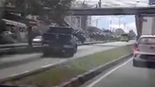 Video registró imprudencia de conductor de camioneta en Bucaramanga