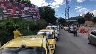 En directo: Así avanza el paro de taxistas en Bucaramanga y el área