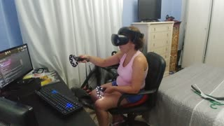 Wife testing Virtual Reality on fisrt time