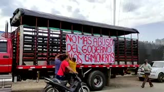 Camioneros de Santander protestan por peajes en la vía a Cúcuta