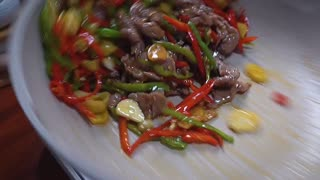 This makes rattan pepper beef, tender and delicious, simple and delicious
