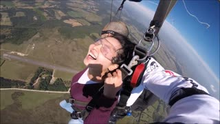 WHAT IT'S LIKE JUMPING A PARACHUTE